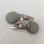 button hair clip primary